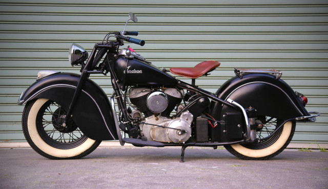 Indian-Chief-1947-matt-black-cls