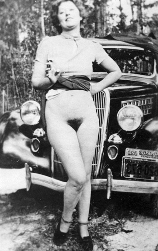 State affairs Naked girls and classic cars