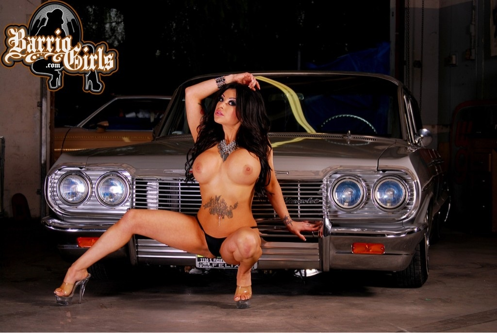 Paint lowrider on girl naked
