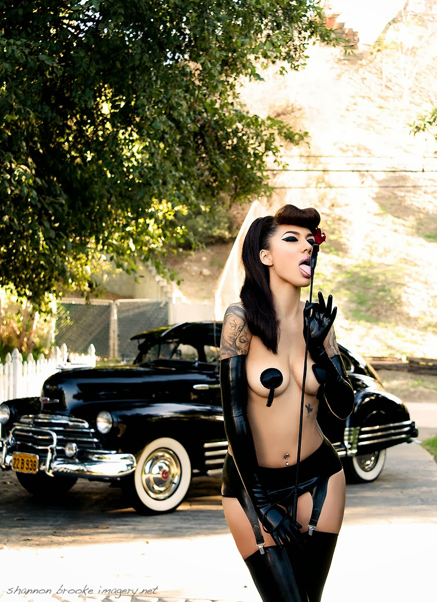 hot-rods-and-naked-chicks